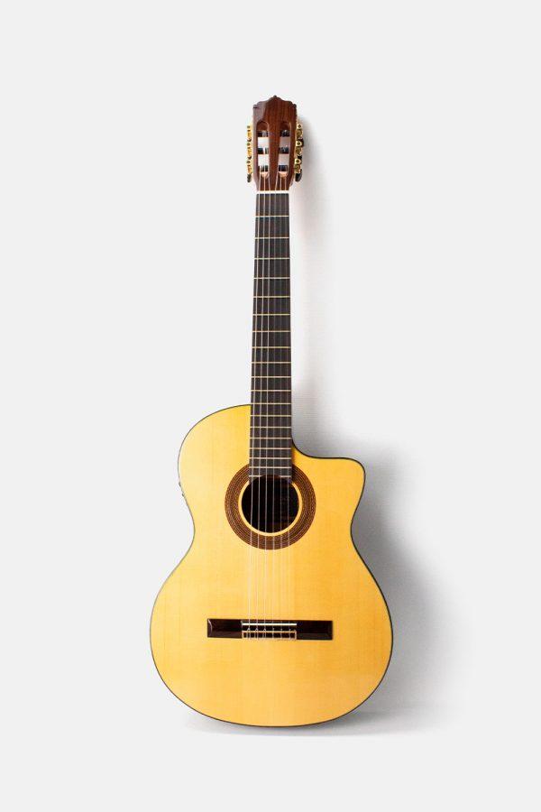 Guitarra flamenca amplificada f90 eq