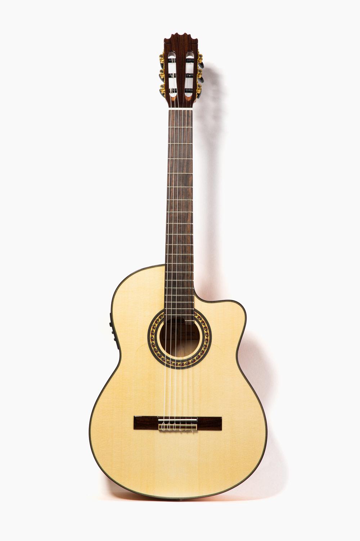 Guitarra-Tatay-EQ-CUT-580W