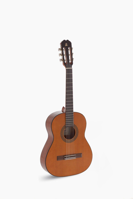 Guitarra Admira Juanita Niño
