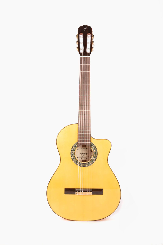 Guitarra Flamenca Amplificada Cutaway Raimundo 646E