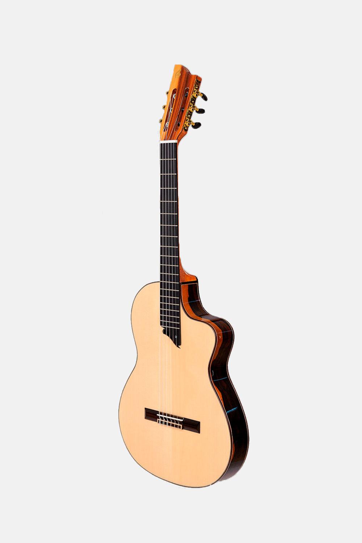 Guitarra clásica con cutaway hermanos bros intiluna